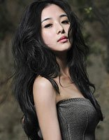 小圆脸能萌到三十岁 张含韵人甜美发型更甜美