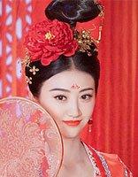 大唐荣耀珍珠景甜的发型 唐装发型都要配额间花钿吗