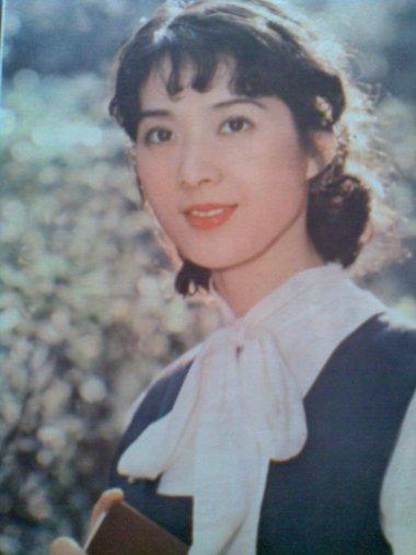 80年代中国第一女明星 大众情人龚雪的偏分发型