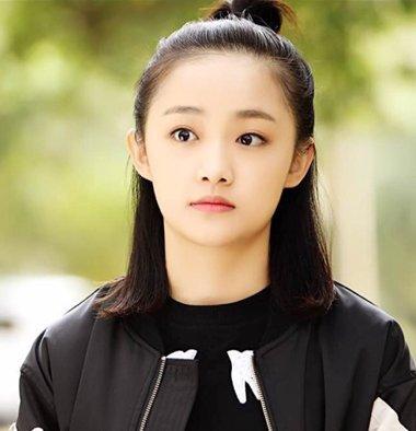 吴佳怡纯范儿学生扎发 正确示范学生妹发型