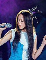 张靓颖舞台发型似仙女 好发型让形象更出众