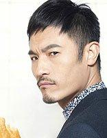 耿乐儒雅诠释时尚发型 非凡不同的短发设计