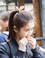 张慧雯的小兔子发饰发型 扎发配小发饰最萌了