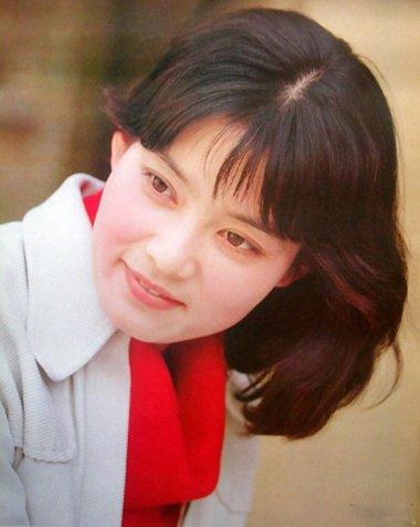 中国第四代最漂亮女演员 婆婆专业户潘虹的时尚发型