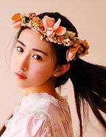 朱圣�t无瑕疵写真发型 唯美梳发更配美人