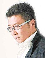 庞龙任2017大音节导师 个性短发打造出帅气魅力