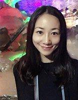 韩雪重游苏州清新温婉 大卷发展出女星的唯美气质