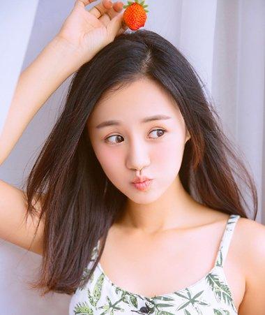 小巴蛇安悦溪的青春漾发型 精致型女生发型正解
