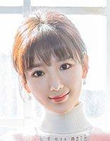毛晓彤脸型像言情本封面 扎短发让清新看得见