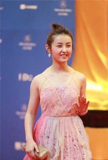 电影节中外女星斗艳红毯 直击闭幕式国际时尚发型