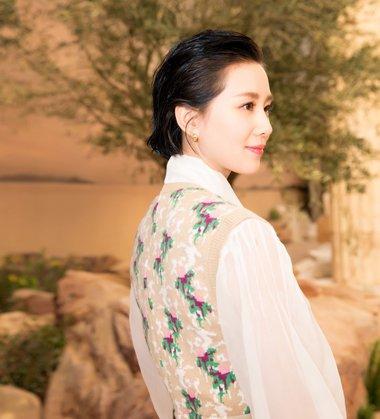 气至纯则为美 刘诗诗越剪越短的发型