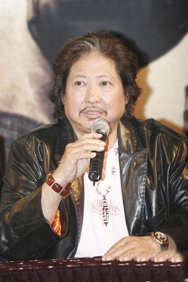 中国巨星洪金宝亮相红毯 引领国际时尚风的发型