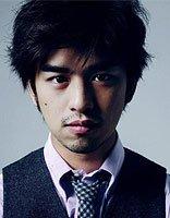 陈柏霖超级酷感偏分短发打造 文艺男神的潮流发型设计