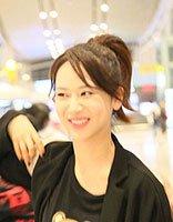 杨紫扎起高马尾辫显精神 梳出的刘海美出新高度