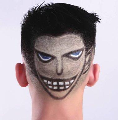 发型师是怎么将这么复杂的图案雕刻到男生的头上的?图片