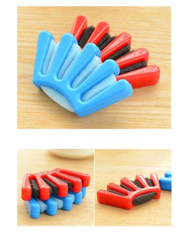 韩国五指辫子发型 梳理头发的方法分解图