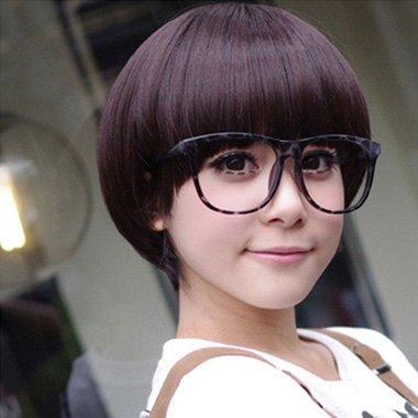 女生蘑菇头图片 女士烫发造型图片