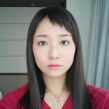 日本狗啃刘海如何剪 女生长发造型设计