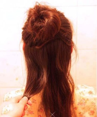 韩国丸子头扎法图解 女生长头发打理