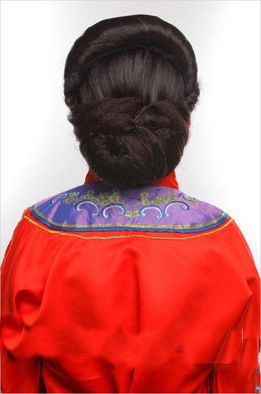 简单秀禾发型教程图解 新娘盘头发图片