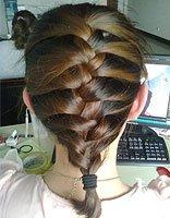自己编出的时尚流行发型 后面的头发怎么编