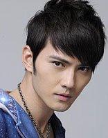 适合脸瘦男士发型 菱形脸发型打造