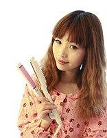 直发板怎样压出梨花头步骤 做头发需要用什么