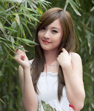 斜刘海简单造型 女生斜刘海种类