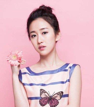 韩式小丸子头 女生简便梳头丸子头