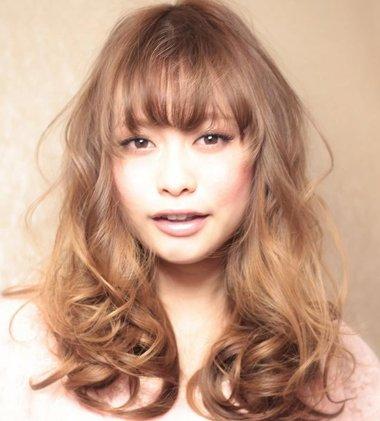 齐刘海梨花头发型图片 中短梨花烫发型图片