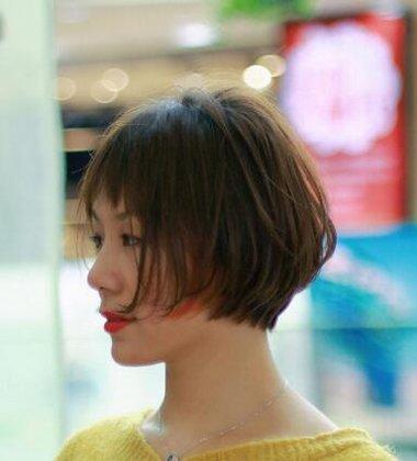众多女生摩卡短波波头好打理吗 摩卡短波波头发型图片比较别致的款式