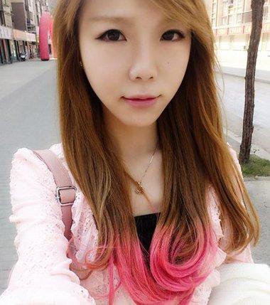 女生桃红配什么可以染头发 怎么用桃红染头发步骤衔接十分圆满哦
