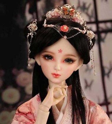 芭比娃娃的头发怎么扎 给芭比娃娃扎古代发型
