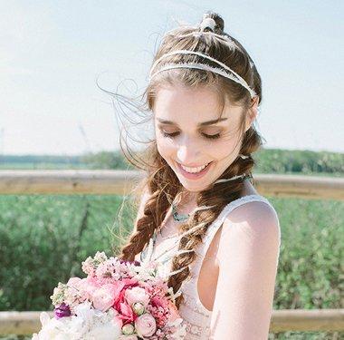 女生森系中长发编发发型 森林系婚纱照发型