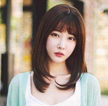 女生空气刘海梨花头中长发发型 2019女生齐肩梨花头发型