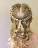 小女孩蜈蚣辫公主头发型 给小孩怎么编蜈蚣辫