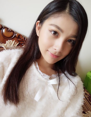 女生2019最新女生斜分中长直发发型 直发梳出漂亮发型就能让人像是换了一张脸一样