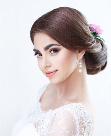 女生齐发可以盘新娘头吗 漂亮而出众新娘齐发梳法要很工整的哦