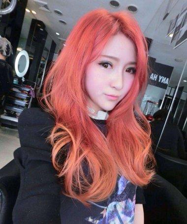 今年韩版最流行的头发样式图 两种颜色图片