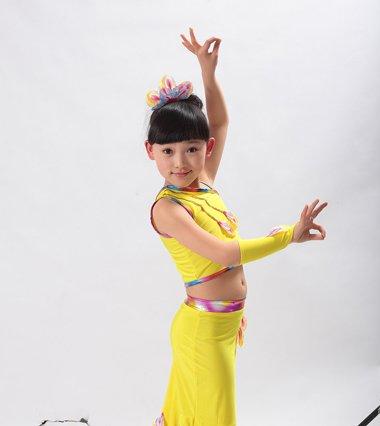 孔雀舞的头怎么梳图片 儿童孔雀舞头型