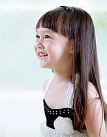 儿童直长发最新蓬蓬发型 内蓬直发发型图片