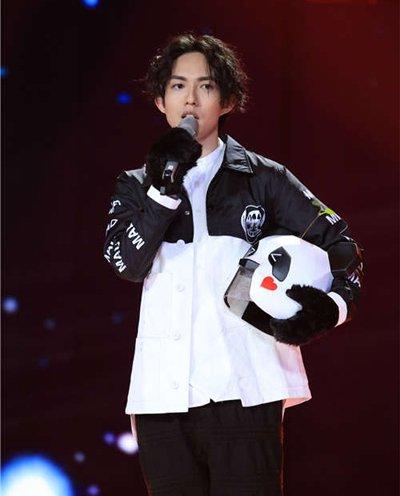 林宥嘉熊猫发型怎么烫值得你借鉴 林宥嘉时尚发型图片要个性一些才够时尚哦