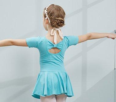 孩子跳舞扎什么发型2018世界杯体育投注平台 跳舞的时候儿童扎头发的方法图解