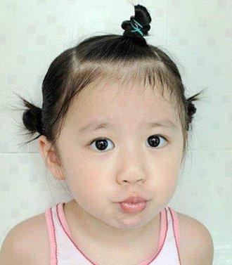 幼儿女孩蘑菇头扎发发型 3岁小女孩蘑菇头怎么扎小辫