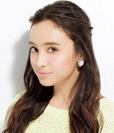 刘海怎么扎看起来蓬松 韩式刘海半扎发发型