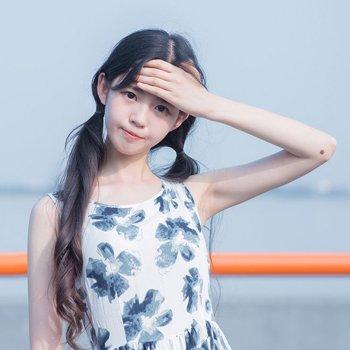 女生辫子怎么扎的甜美 学生扎甜美辫子发型