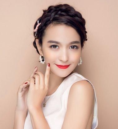 韩国发型怎么梳 韩国女生盘头发步骤