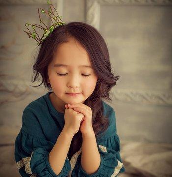 小女孩美丽辫子图片大全 既简单又可爱的女童发型