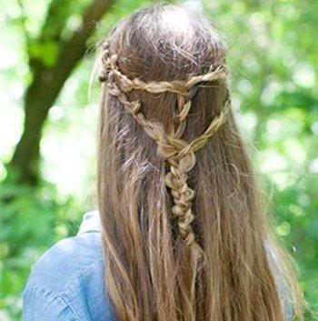 散头发怎么编辫子 散头发的辫子编法