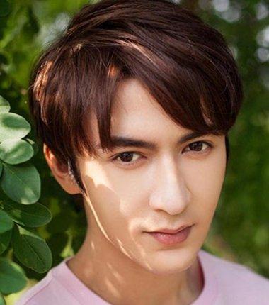 男生蘑菇头发型图片 2019男生流行蘑菇头发型